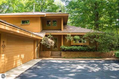 Single Family Home For Sale: 3009 Keewaydin Trail