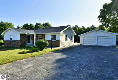 Traverse City Single Family Home New: 1328 McRae Hill Road