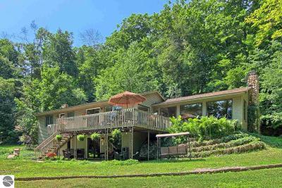 Leelanau County Single Family Home For Sale: 2992 W Armstrong Lake Trail
