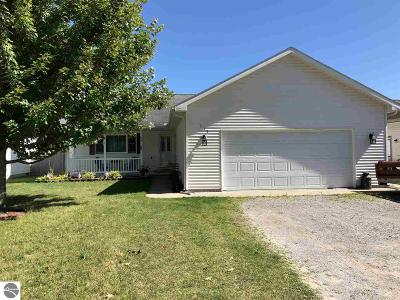 Tawas City MI Single Family Home For Sale: $152,900