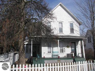 East Tawas Single Family Home For Sale: 209 E State Street