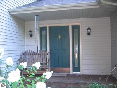 Leelanau County Single Family Home For Sale: 11433 S Ramblewood