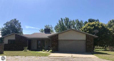 Standish Single Family Home For Sale: 5036 S Oak Lane