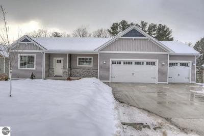 Traverse City Single Family Home For Sale: 3181 Lake Meadows Circle