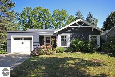 Traverse City Single Family Home For Sale: 220 N Madison