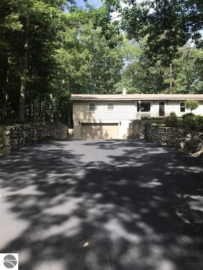 Traverse City Single Family Home For Sale: 3691 N Spider Lake Road