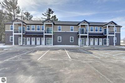 Traverse City Condo For Sale: 822 Floresta Street #1