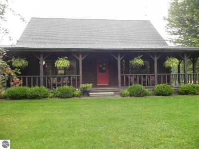 Mt Pleasant, Lake Isabella, Shepherd, Alma, Ithaca, St Louis, Clare, Lake Single Family Home New: 6410 S Lapearl Road