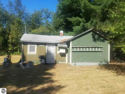 Kalkaska County Single Family Home For Sale: 3304 Sigma Lane