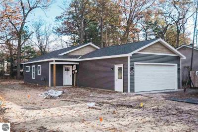 Traverse City Single Family Home For Sale: 919 Mitchell Street