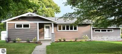 Elk Rapids Single Family Home For Sale: 304 First Street