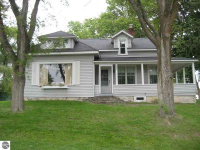 Elk Rapids Single Family Home For Sale: 239 Center Street