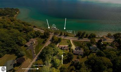 Traverse City Single Family Home For Sale: 9983 Center Road