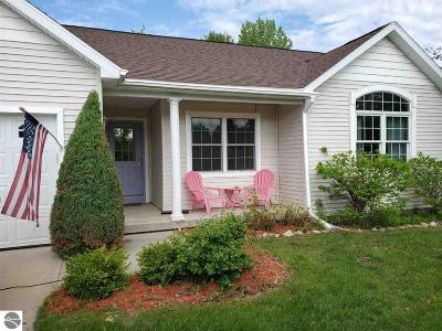 Charlevoix County Single Family Home For Sale: 07155 Applewood Drive