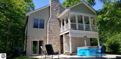 Kalkaska County Single Family Home For Sale: 8680 Hutch Trail, NW