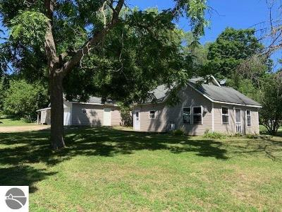 Central Lake Single Family Home For Sale: 2011 S Main Street