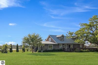Antrim County Single Family Home For Sale: 5076 Quarterline Road