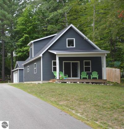 Single Family Home For Sale: 365 N Hobbs Highway