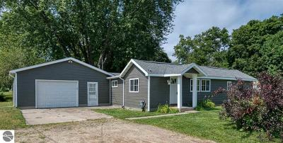 Antrim County Single Family Home For Sale: 206 Charles