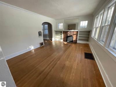 Traverse City Single Family Home For Sale: 1006-1008 Jefferson Avenue