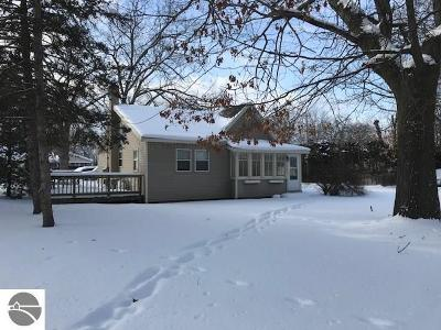 Traverse City Single Family Home For Sale: 1002 Barlow Street