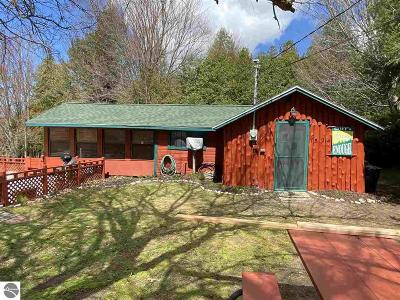 Central Lake Single Family Home For Sale: 7524 Pike Lane