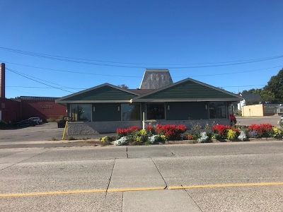 Marquette Commercial For Sale: 1090 S Front