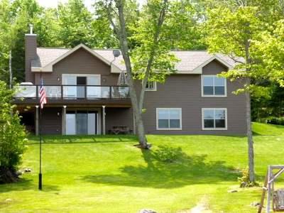 Ishpeming Single Family Home For Sale: 1110 Co Rd Ggg