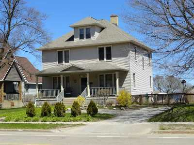 Munising Single Family Home Pending w/Contingency: 226 W Munising Ave