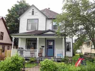 Negaunee Single Family Home For Sale: 220 E Peck