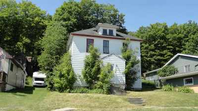 Munising Multi Family Home For Sale: 819 W Superior St