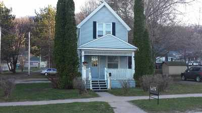 Munising Single Family Home For Sale: 411 W Superior
