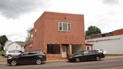 Negaunee Commercial Pending w/Contingency: 224 Jackson St