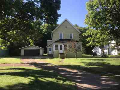 Ishpeming Single Family Home Pending w/Contingency: 170 Bluff