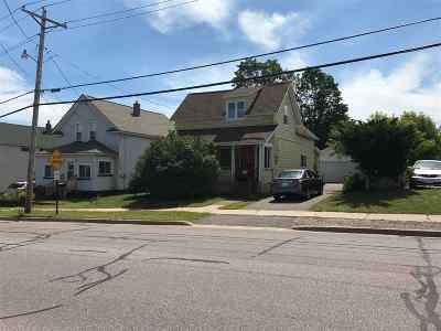 Marquette Multi Family Home Pending w/Contingency: 343 Fisher