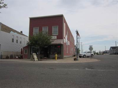 Munising Commercial Pending w/Contingency: 231 E Superior