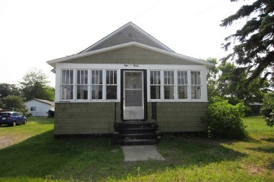 Marquette Single Family Home Pending w/Contingency: 1830 Van Evera