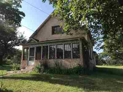 Negaunee Single Family Home For Sale: 132 Cambria
