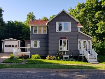 Negaunee Single Family Home For Sale: 300 E Lincoln Ave