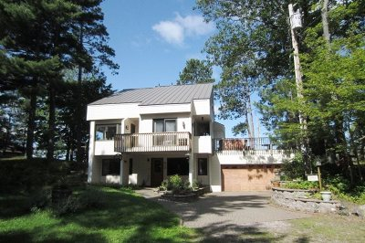 Marquette Single Family Home For Sale: 38 Middle Island Point