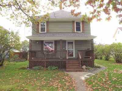 Negaunee Single Family Home Pending w/Contingency: 915 Oak