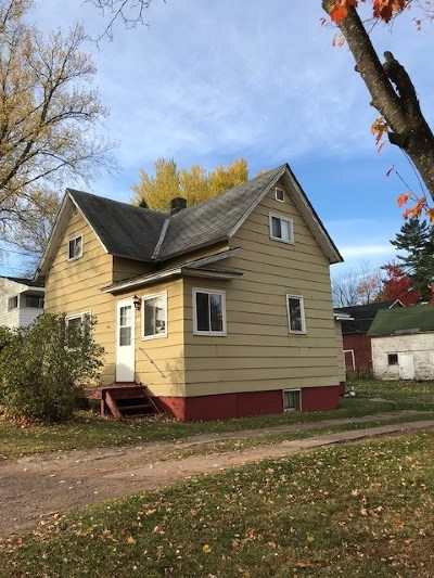 Ishpeming Single Family Home For Sale: 250 Prospect