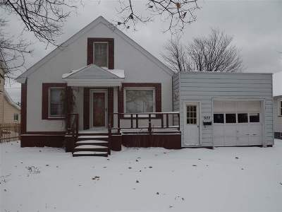 Negaunee Single Family Home Pending w/Contingency: 922 Oak