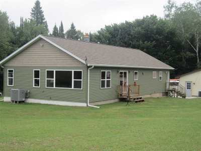 Munising Single Family Home For Sale: N7077 Indiantown Rd