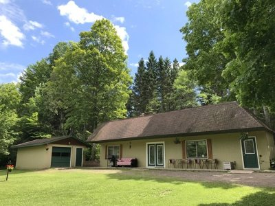 Marquette Single Family Home For Sale: 433 Green Garden Rd