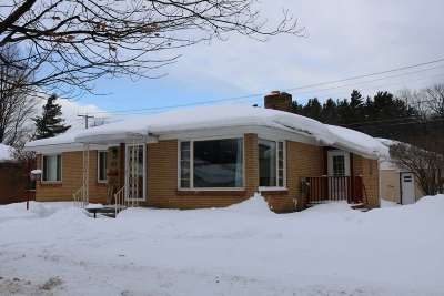 Negaunee Single Family Home Pending w/Contingency: 709 Maas St