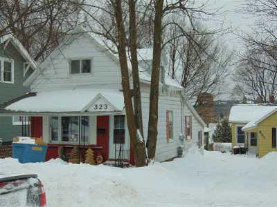 Marquette Multi Family Home Pending w/Contingency: 323/325 W Ridge St