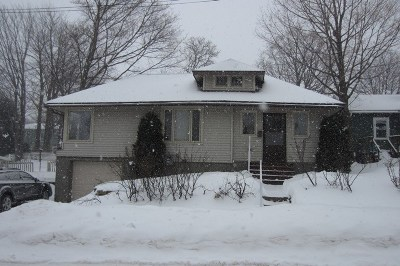 Marquette Single Family Home Pending w/Contingency: 385 Harrison