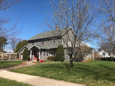 Marquette MI Single Family Home For Sale: $439,900