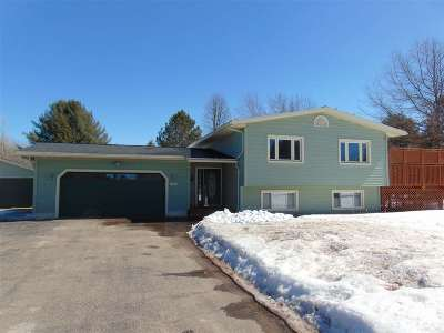 Marquette Single Family Home Pending w/Contingency: 108 Sandy Ln